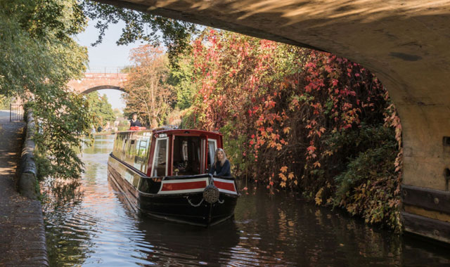 narrowboat hire in the UK